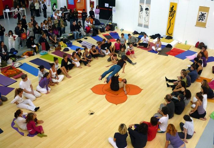 acroyoga-yoga-acrobatico