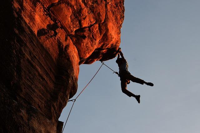 free-climbing-montagna
